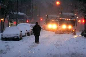 150126-historical-snowstorms-nyc-2006.nbcnews-ux-1360-900